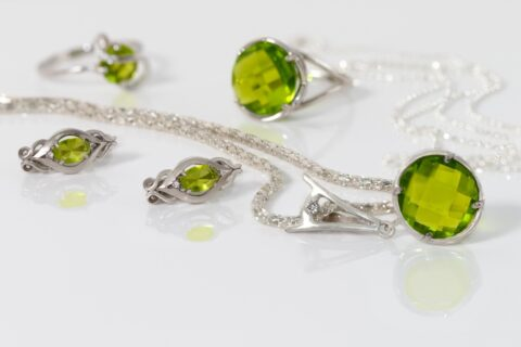 All About the August BirthstonePeridot